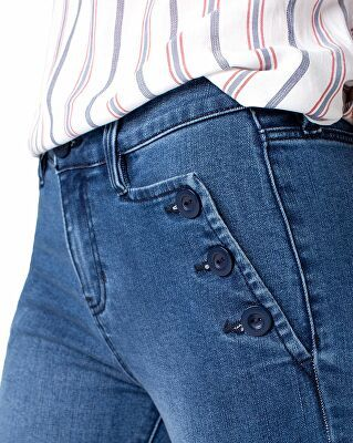 Pin on Women > Clothing > Denim Jeans > Cropped