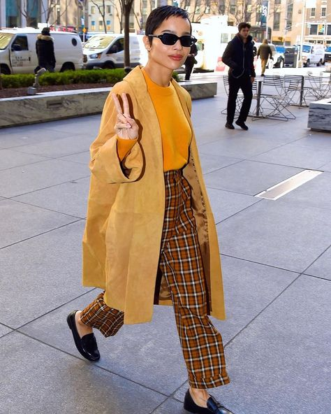 Unsurprisingly, wore some of her own clothes for 'High Fidelity', and had a big part in creating the looks for the… Dope Outfits, Classy Outfits, Teyana Taylor, Keke Palmer, Zoe Kravitz Style, Fiesta Outfit, Looks Street Style, Modern Street Style, Facon