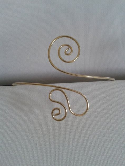 New Year's Eve Sale- Upper Arm bracelet, arm cuff, hand made brass copper wire,adjustable, made to order! upper arm band by energywire on Etsy Wire Jewelry Rings, Handmade Wire Jewelry, Wire Jewelry Designs, Metal Jewelry, Jewelry Art, Arm Bracelets, Tribal Bracelets, Upper Arm Cuffs, Collor