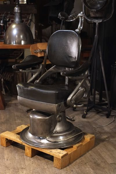 fauteuil de barbier ancien 1930