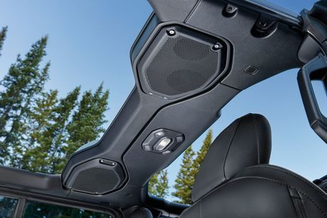 2018 Jeep Wrangler Jl Alpine Premium Audio System Overhead Soundbar Wrangler Jl Jeep Canada Jeep Jl