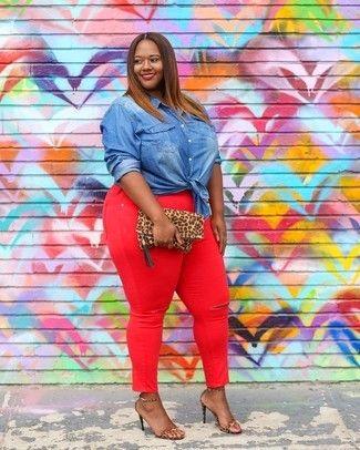 4029ef65a Look de moda: Camisa vaquera azul, Vaqueros pitillo rojos, Sandalias ...
