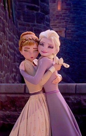 Frozen Photo Hugs In 2021 Disney Princess Wallpaper Disney Princess Elsa Disney Princess Fashion