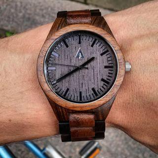 Retro analógové pánske hodinky so zapaľovačom v troch farbách ... 8326ea2277c