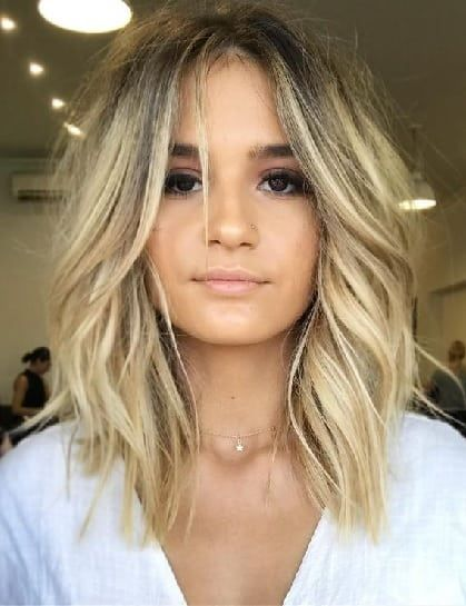 45 Flawless Medium Hairstyles For Women With Thin Hair 2020 Hair Styles Medium Hair Styles Trendy Short Hair Styles
