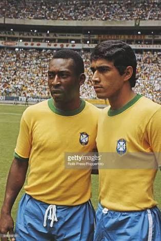 Pele Clodoaldo Com Imagens Selecao Brasileira De Futebol