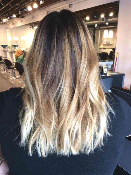 Unglaubliche Lange Glatte Blonde Ombre Haar Nette Frisur Für