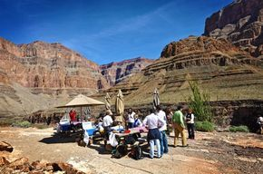 Grand Canyon Helicopter Picnic At The Bottom Of The West Rim