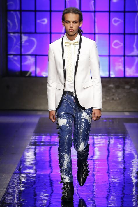 Dsquared2 Spring 2018 Menswear Fashion Show Collection