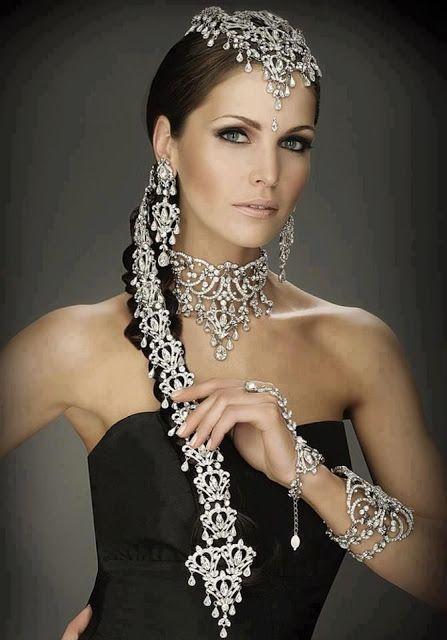 bridal set, indian bridal jewelry - ostentatious, but beautiful!