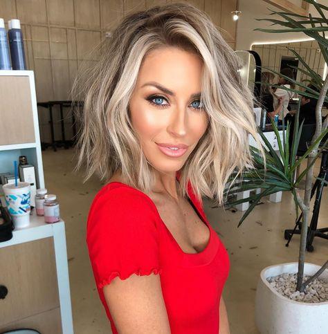 75 Cute Bob Haircuts and Hairstyles Inspired 2019 - Hairstyles Trends My Hairstyle, Pretty Hairstyles, Popular Hairstyles, Trending Hairstyles, Love Hair, Great Hair, Medium Hair Styles, Short Hair Styles, Short Hair Tips