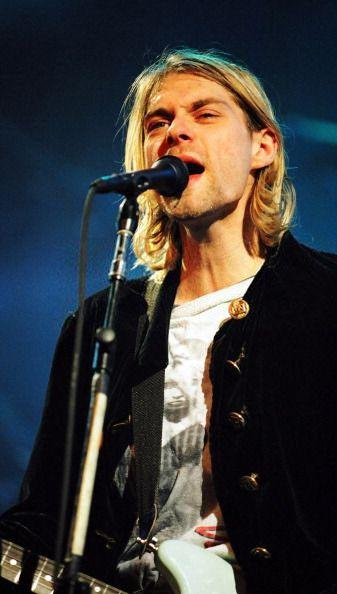 Kurt Cobain on stage at Live and Loud, 1993 #Nirvana