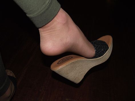 Slippers için 64 fikir, 2021   ayakkabılar, terli̇k, sandalet