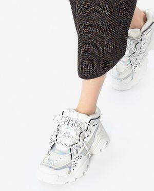 Dwurzedowy Bezowy Trencz Burberry Kup Teraz Najlepsze Ceny I Opinie Sklep Moliera2 Com In 2020 High Top Sneakers High Tops Fashion