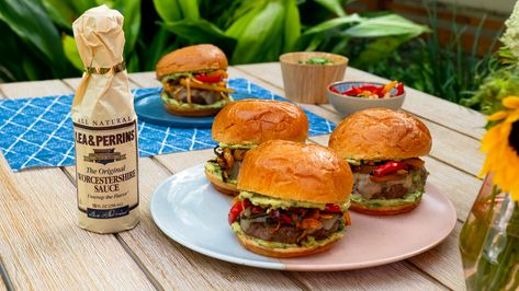 FAJITA burgers are loaded with peppers, onion and guac to make one sizzling summer dinner! 🔥  Sponsored by Lea  Perrins. #ad