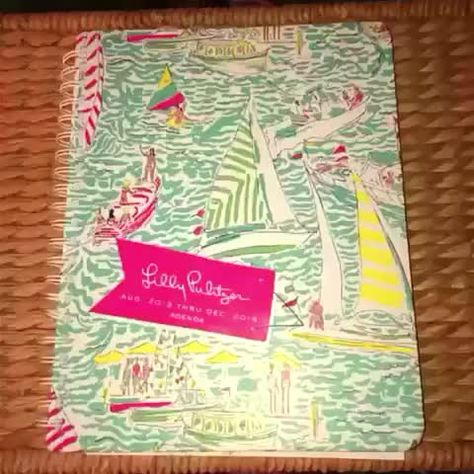 2014 may be over but you can still use your #lillypulitzer planner to make some awesome crafts with your favorite prints! #diywithkate #DIY