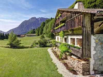 Vente Propriete Et Meubles De Tourisme A Entremont En Haute Savoie Maison D Hotes Haute Savoie Mobilier De Salon