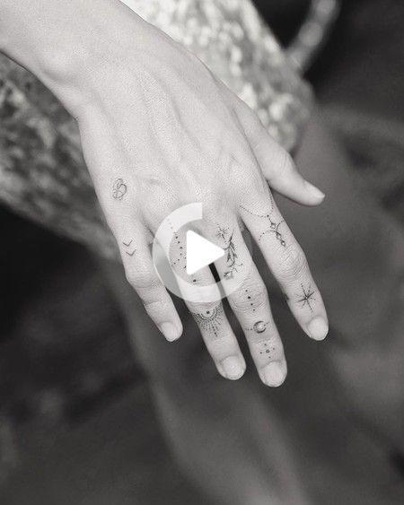 El Tatuador De Las Celebrities Dr Woo Nos Muestra Los Ultimos Tatuajes De Miley Cyrus Y Hail Tatuaje De La Mano Tatuajes En La Mano Mejores Tatuajes Pequenos