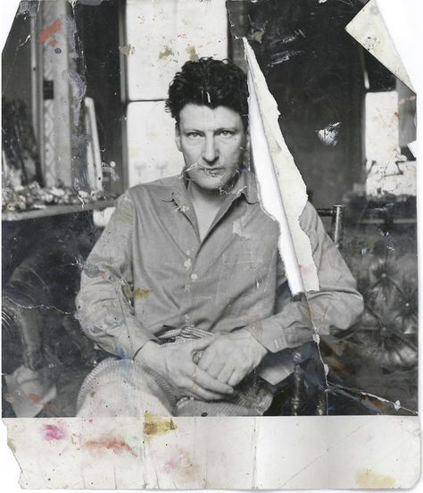 A Dangerous Method Viggo Mortensen as Freud holding