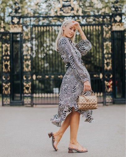 Transitioning my workwear to more autumnal tones in this perfect dress from the Topshop IDOL collection ✨ Shop the look by clicking the link in my bio or finding me in the @liketoknow.it app http://liketk.it/2ExEQ #liketkit #LTKunder100 #LTKeurope