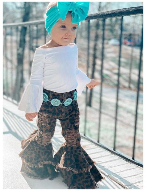 Western Baby Girls, Western Baby Pictures, Western Baby Clothes, Cute Baby Pictures, Baby Kids Clothes, Cowboy Girl Outfits, Cute Baby Girl Outfits, Cute Outfits For Kids, Toddler Girl Outfits