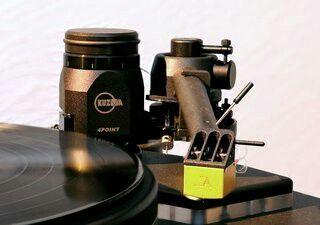 High end audio audiophile turntable Kuzma 4Point tonearm