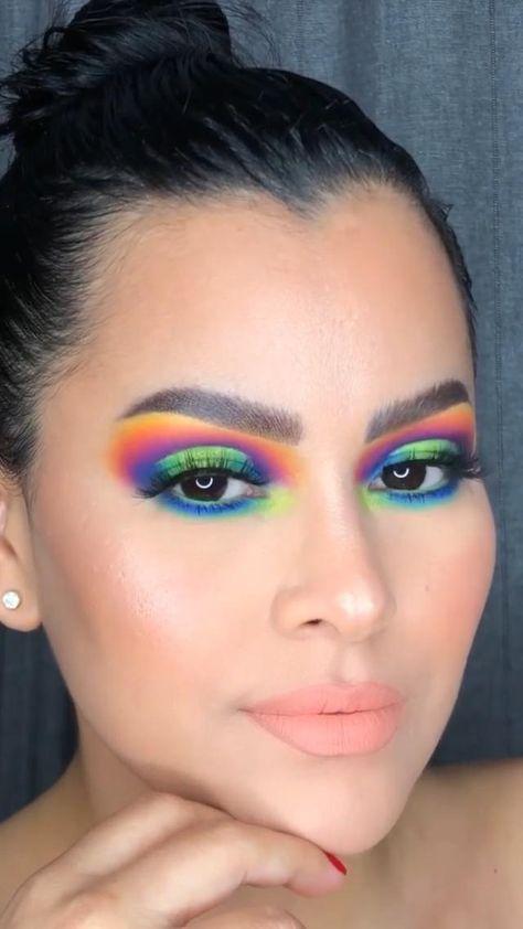Rainbow Eye Makeup, Bright Eye Makeup, Pink Eye Makeup, Colorful Eye Makeup, Eye Makeup Art, Makeup For Brown Eyes, Eyeshadow Makeup, Mermaid Eye Makeup, Crazy Eyeshadow