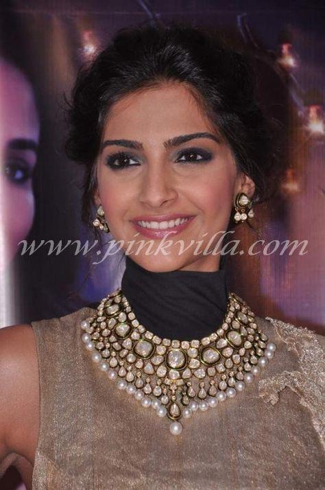 Sonam Kapoor & Dhanush promote Raanjhanaa