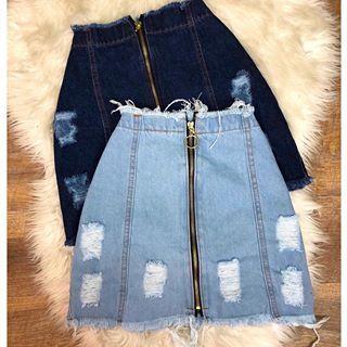 Sexta de PROMO 🔥 • saia jeans R$49,90 😱✨ Até às 14h, VEM! . ▪️www.espvalentina.com.br #vempracá #vempraEspaço