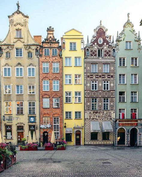 "City Best Views🔝 on Instagram: ""📍 Gdansk , Poland 🇵🇱 📷: @liolaliola Follow @citybestviews for the best urban photo👆"" Houses In Poland, Earth City, Gdansk Poland, Harbor City, Colourful Buildings, European Home Decor, London Travel, House Painting, House Colors"