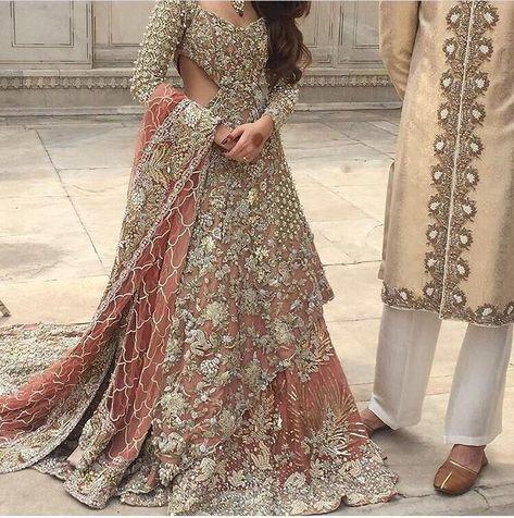 Buy Latest Pakistani Designer Bridal Dresses Online - Pakistani Bridal Lahanga Online at Nameera
