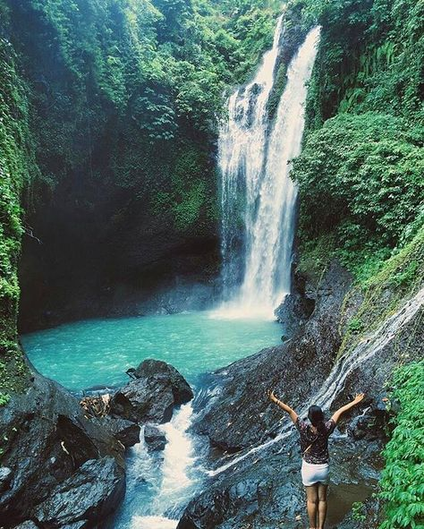 Awesome Natural falls Paradise! Greeny jungle with fresh Air!  Pic. @ocyocy Loc. aling aling waterfall . Keep use hashtag #balicili to allow Us feature your moment in Bali . #bestintravel #worldtraveler #globetrotter #alingaling #paradiseisland #islandlife ============================== Business inquiries: hi.balicili@gmail.com ============================== Cili is balinese word for Prosperity & Great Fortune ============================== Thanks for sharing. NOTE : KEEP BALI CLEAN ============