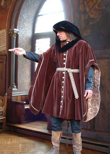 At the court of Burgundy, the failing of chivalry his recent triumphs in rich and sumptuous robes celebrated of velvet, silk and brocade. In the late Gothic style of the nobility developed a taste for black, while the citizens started to like colorful and eccentric clothing.