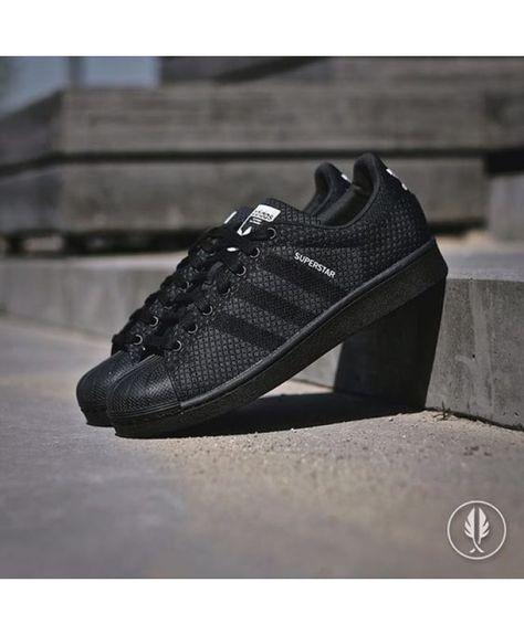spotykać się Darmowa dostawa za kilka dni Épinglé par Aman Dhasmana ☠️ sur Shoes en 2019   Adidas ...