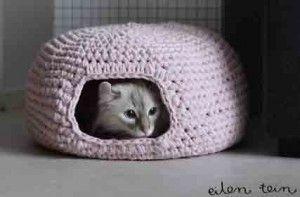cuccia a uncinetto in fettuccia per gatti - italiano