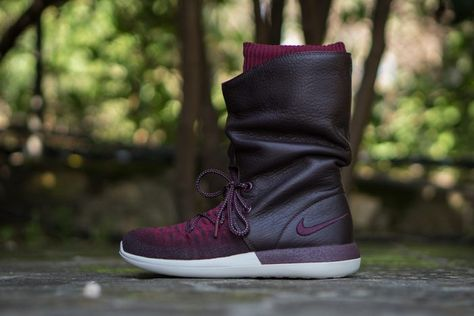 new products 12d0d a5bb4 Nike Roshe Two Hi Flyknit WMNS (Deep Burgundy)