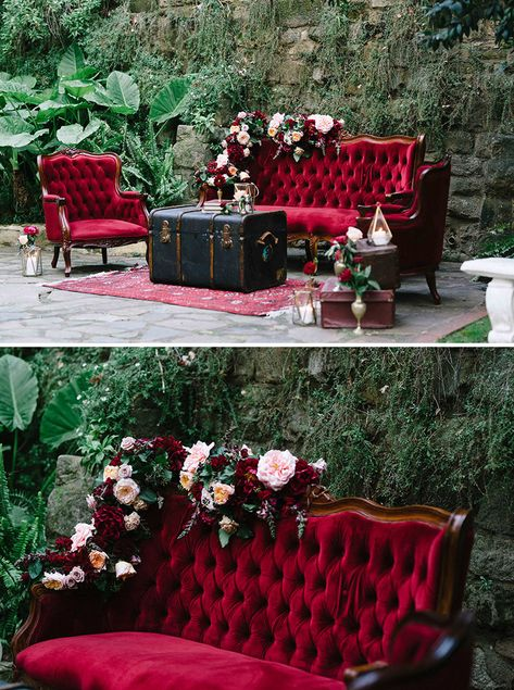 Burgundy red velvet lounge setting for wedding cocktail hour with flowers, vinta. - Burgundy red velvet lounge setting for wedding cocktail hour with flowers, vintage suitcases, brass vessels and gold lanterns Vintage Suitcase Wedding, Vintage Suitcases, Vintage Christmas Wedding, Vintage Furniture Wedding, Vintage Wedding Theme, Victorian Furniture, Vintage Luggage, Ideas Para Decorar Jardines, Decoration Evenementielle