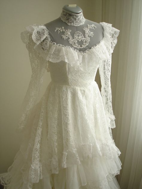vintage antebellum southern belle wedding dress with 12 layer lace . - wedding and bride - vintage antebellum southern belle wedding dress with 12 layer lace … – # # 80 - 1980s Wedding Dress, Belle Wedding Dresses, Fit And Flare Wedding Dress, Bridesmaid Dresses, Lace Wedding, Gown Wedding, Bridal Gown, Trendy Wedding, Mermaid Wedding
