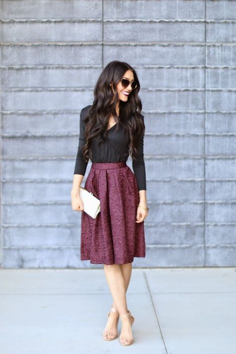 Are you a little worried for your business outfits? Want to know some new spring business outfit ideas for women? These outfit ideas will help you a lot to decide your business wardrobe this season.