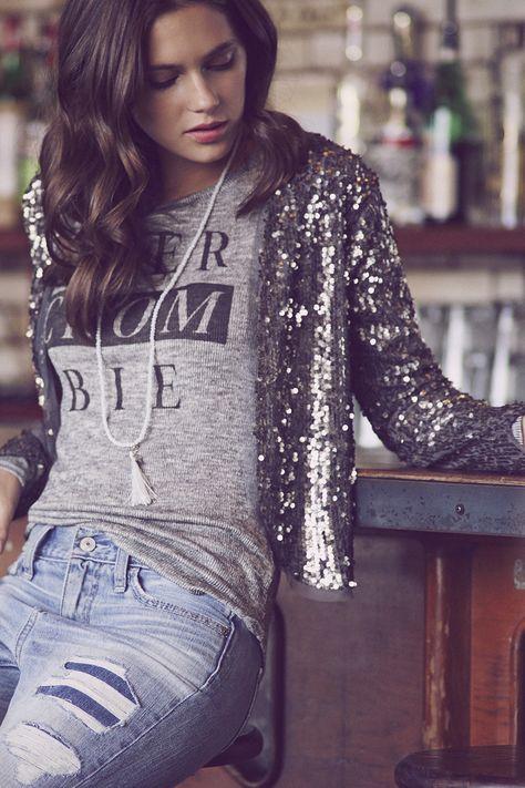Graphic shirt, boyfriend jeans and silver sequined blazer