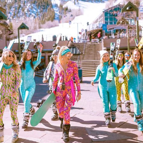 7 Mountain Glam Hotels in Aspen for Bachelorette Parties - Apres ski party outfit -