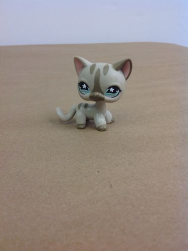 Littlest Pet Shop Short hair Gray Striped Cat Snowflake # 468