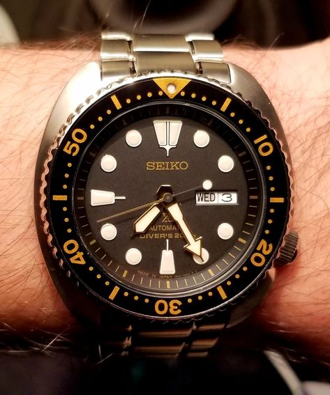 [Seiko] Japanese Prospex Turtle Automatic Diver 200m - SRP775J Black and Gold. Can't believe these J Turtles are only $250 http://ift.tt/2Cyp4tg