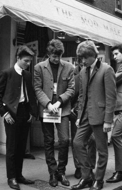 Group of mod men, look at the cut of the suit on the left!