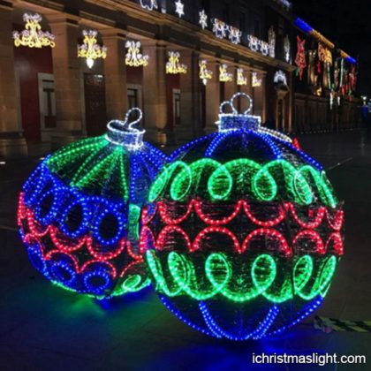 Large Christmas Light Snowflake For Sale Ichristmaslight In 2020 Outdoor Christmas Light Displays Decorating With Christmas Lights Commercial Christmas Decorations