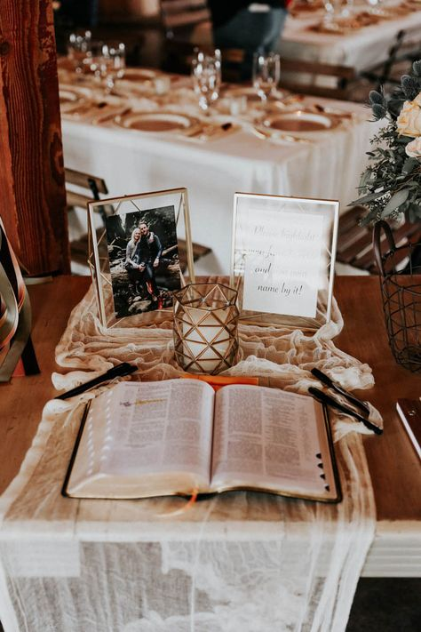 Bible guest book | Image by Melissa Marshall Photography