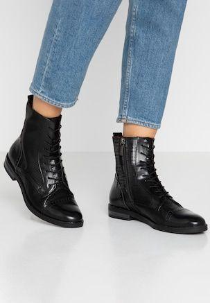 Boots à talons black @ ZALANDO.FR </p>                     </div>                     <!--bof Product URL -->                                         <!--eof Product URL -->                     <!--bof Quantity Discounts table -->                                         <!--eof Quantity Discounts table -->                 </div>                             </div>         </div>     </div>              </form>  <div style=