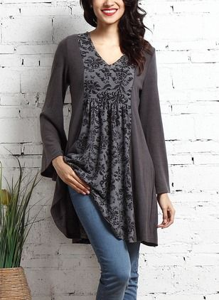 Look what I found Charcoal damask panel .- Schau, was ich gefunden habe Charcoal Damast-Panel V-Neck Tunika von Re… See what I have found Charcoal damask panel V-neck tunic by Reborn Collection -