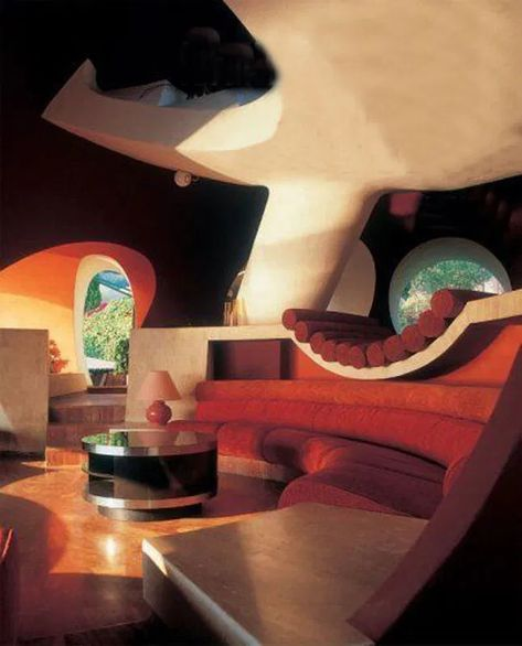 Want: Palais Bulles in Théoule-sur-Mer, France, designed by Antti Lovag. 🧡 Photo: Flammarion via MCM daily Dream Home Design, House Design, Design Design, Design Ideas, Bubble House, Retro Interior Design, Futuristic Interior, Futuristic Bedroom, Futuristic Architecture