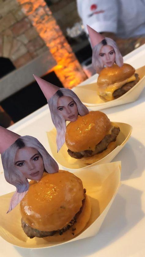 Khloé Kardashian Celebrates Her Birthday With a Lavish Pink-Themed Bash 18th Birthday Ideas For Girls, 18th Birthday Party Themes, Guys 21st Birthday, Birthday Goals, 21st Birthday Cakes, 21st Party, Birthday Surprise Ideas, Women Birthday, Diy Birthday